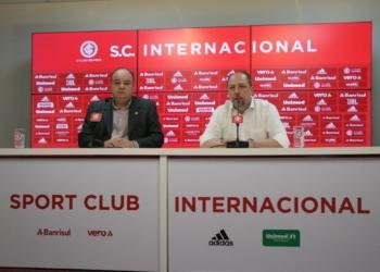 João Patrício Herrmann (E) e Alessandro Barcellos (D) concederam entrevista coletiva nesta terça-feira. Foto: Divulgação/Internacional