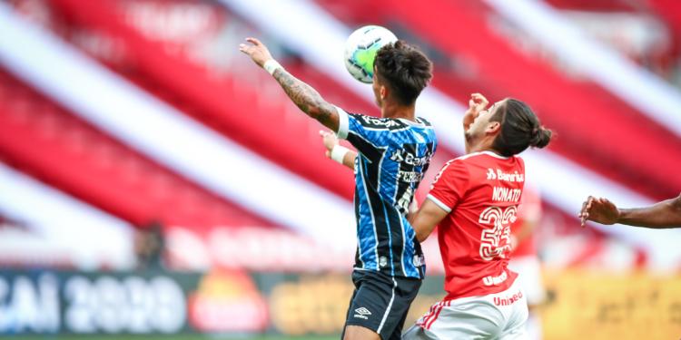 Lance do jogo que a equipe do Grêmio reclamou e pediu pênalti. Foto: Lucas Uebel/Grêmio