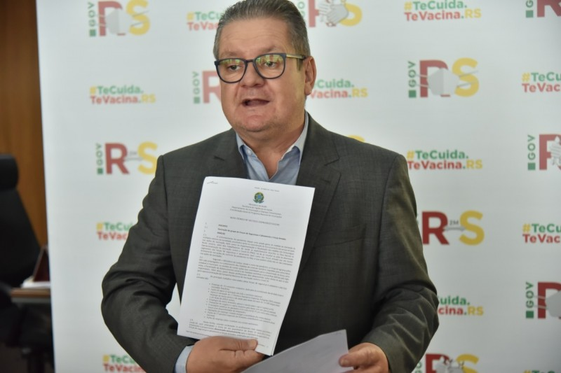 Vice Ranolfo apresenta nota técnica do Ministério da Saúde com aval para priorizar vacinação dos operadores da segurança pública. Foto: Rodrigo Ziebell / GVG