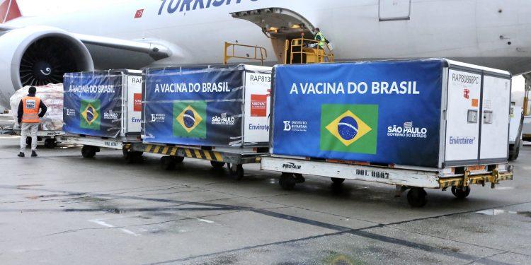 Chegada de Insumos no aeroporto internacional de Guarulhos.  19/04/2021   Foto: Governo do Estado de São Paulo