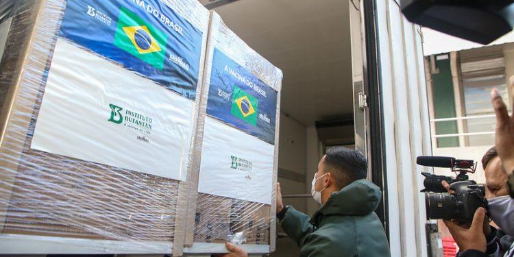 Entrega de 1,1 milhão de doses da CoronaVac. Foto: Governo do Estado de São Paulo / Divulgação