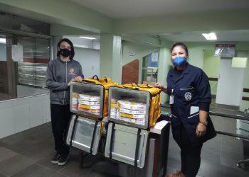 Atuando na linha de frente do combate ao coronavírus, equipe recebe o carinho e agradecimento da rede Pizza Prime. Foto: Divulgação