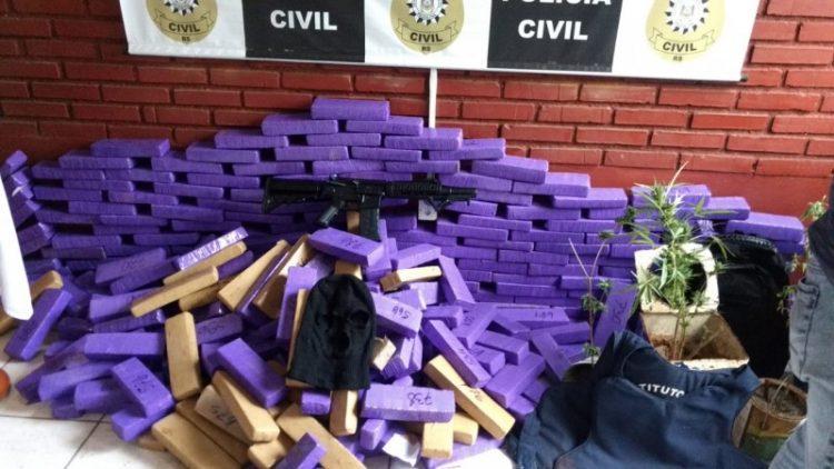 Foram apreendidos 343 tijolos de maconha. Foto: Divulgação/Polícia Civil