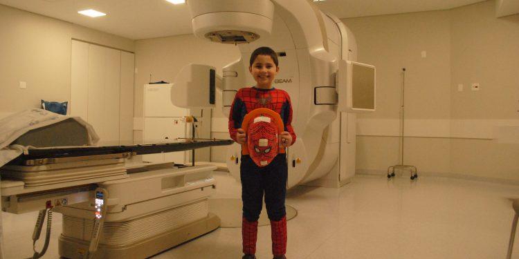 Gustavo foi diagnosticado com leucemia em maio do ano passado. Foto: Carol Fornasier/Santa Casa