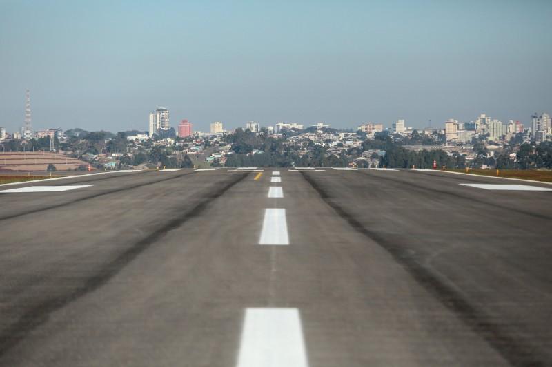 A obra possibilitará que o aeroporto receba aeronaves maiores. Foto: Gustavo Mansur/Palácio Piratini