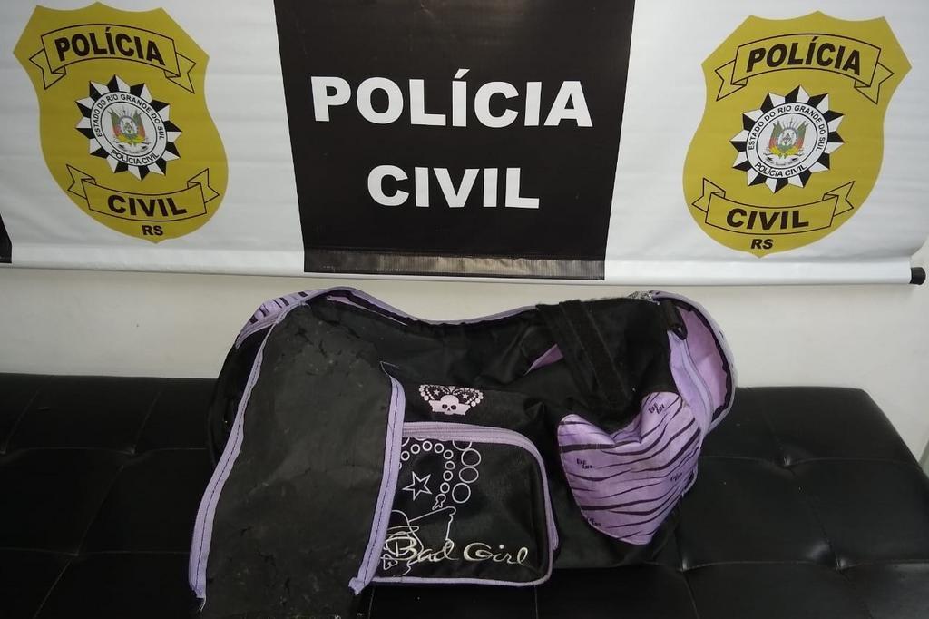 Mala que teria sido usada para levar a criança até o rio Tramandaí. Foto: Polícia Civil / Divulgação