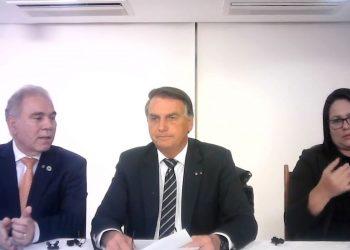 Bolsonaro durante sua live semanal nas redes sociais. Foto: Reprodução/Youtube