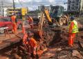 Porto Alegre - 22/09/2021: Técnicos do Dmae trabalham em conserto emergencial de adutora na avenida Campos Velho com Vicente Monteggia. Foto: Luciano Lanes/PMPA