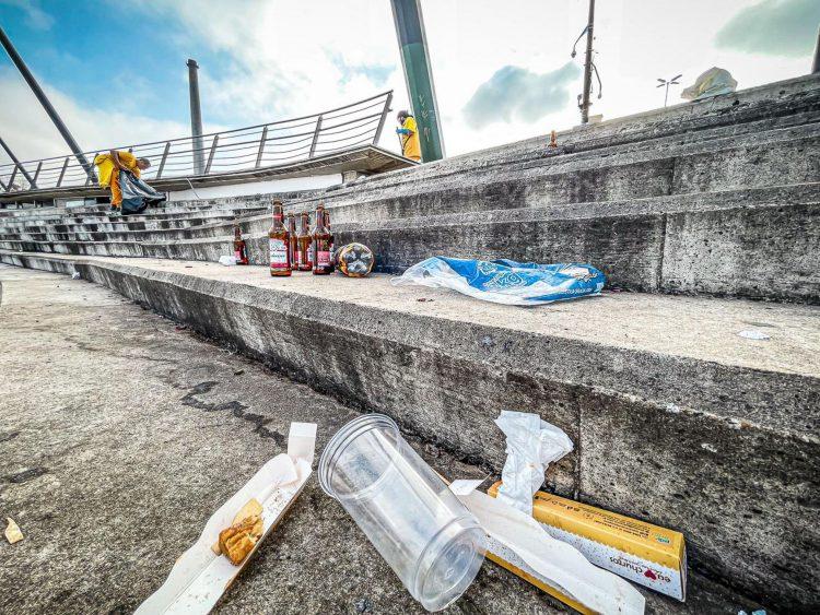 Porto Alegre, RS 27/09/2021. Lixo na Orla do Guaíba. Foto: Mateus Raugust/PMPA